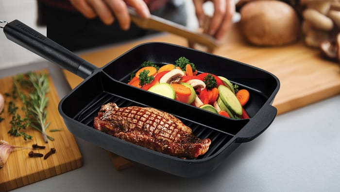 MasterPan - 2-Section Non-Stick Cast Aluminum Skillet, 11-inch