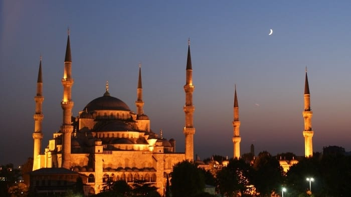 Best Places to Visit in Istanbul - The Blue Mosque