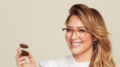 GlassesUSA.Com And Hilary Duff