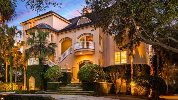 Luxury auction® firm Platinum Luxury Auctions has announced the sale of this multimillion-dollar beachfront home on Kiawah Island, SC.