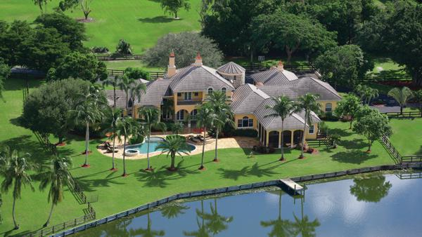 Platinum Luxury Auctions placed this ranch-style estate in western Boca Raton, FL under contract within only 48 hours of the launch of the property's auction-marketing campaign.