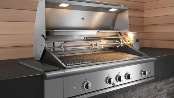 Constructed from 304 grade stainless steel, DCS Grills deliver intense heat, low heat and easy cleanability