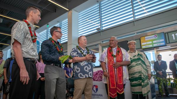 Hawaiian Airlines Celebrates New Long Beach Service