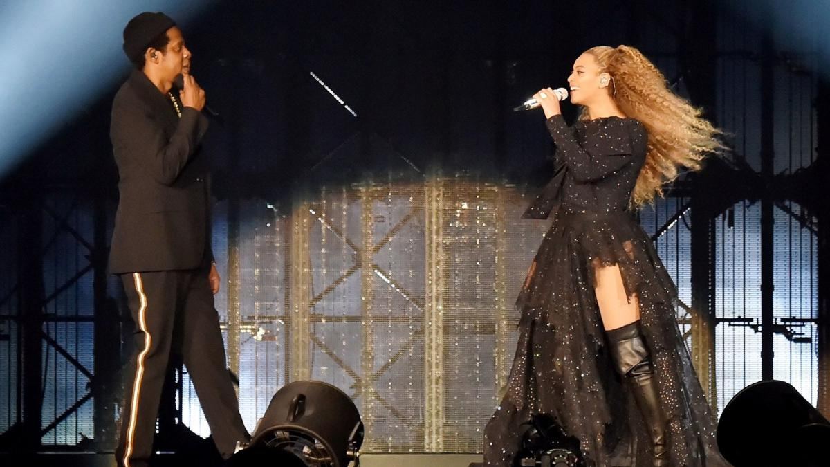 Beyonce & Jay-Z - On The Run Tour II (PRNewsfoto/Givenchy)