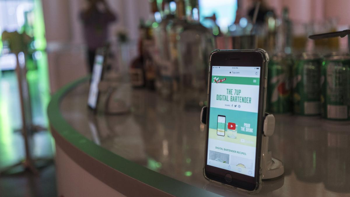 Make summer entertaining easy with Digital Bartender, a new tool from 7UP that helps you unlock unique cocktail recipes from your mobile device.