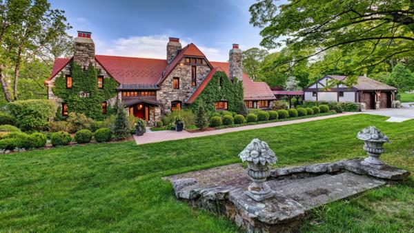 Designed in 1911 for a New York patent attorney by prominent architect Grosvenor Atterbury, the property was completely renovated in 2005. Atterbury was known for designing weekend homes for the wealthy and had clients that included the Rockefellers. Discover more at CTLuxuryAuction.com.