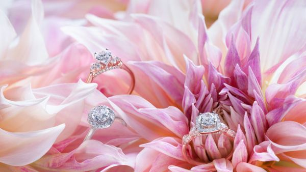 Helzberg Diamonds partners with Monique Lhuillier to launch new collection of engagement rings.