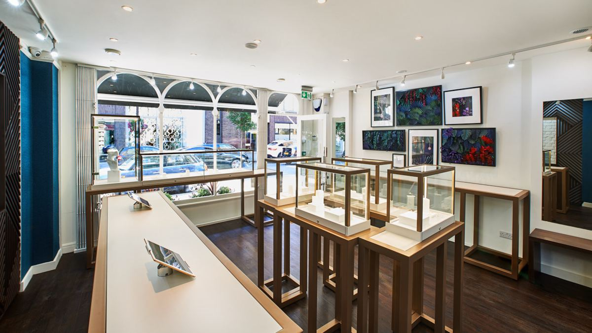 First retail jewelry shop that features cultured diamonds and stones exclusively now open.