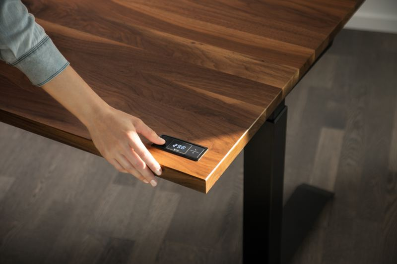 ergonofis Sway Desk Walnut Touchscreen