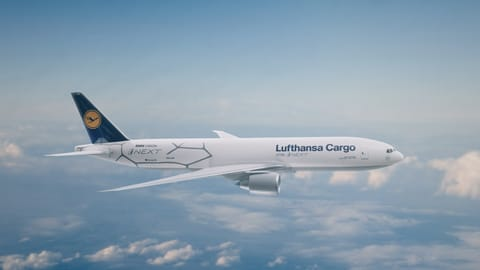Lufthansa Cargo and the BMW Group team have worked together closely to turn this extraordinary vehicle and technology presentation from idea into reality.