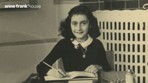School photo Anne Frank, Montessori school Amsterdam, December 1940 - Photo collection Anne Frank House, Amsterdam