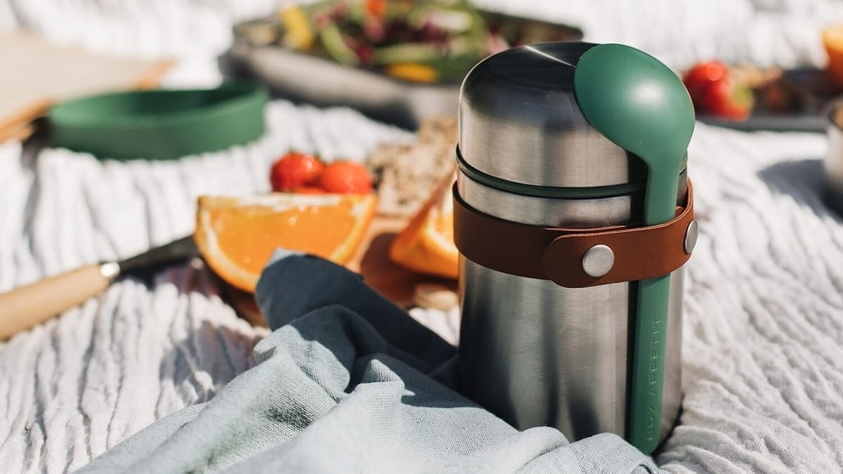5 Best Gifts for Camping Lovers on black+blum