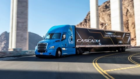 Daimler Trucks North America introduces the first SAE Level 2 automated truck in series production in North America with the latest enhancements to the Freightliner new Cascadia(r).