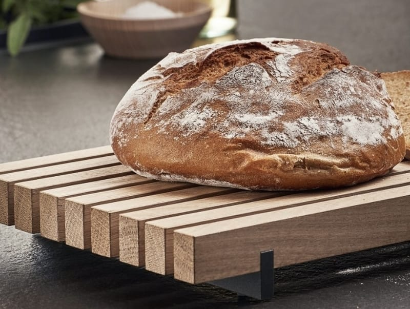 LEICHT Bread cutting board is a component of the COMBO system - photo courtesy of LEICHT