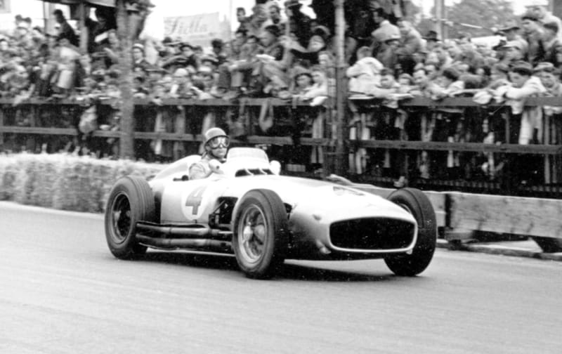Swiss Grand Prix in Bremgarten, August 22, 1954. Juan Manuel Fangio - Mercedes-Benz W 196 R