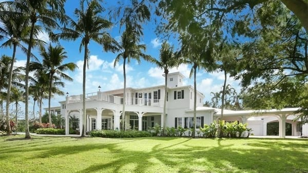 Luxury Homes for Sale in Boca Raton, Florida - Photo courtesy of Sotheby's International Realty