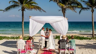 Best Honeymoon Hotels in Cancun, Mexico